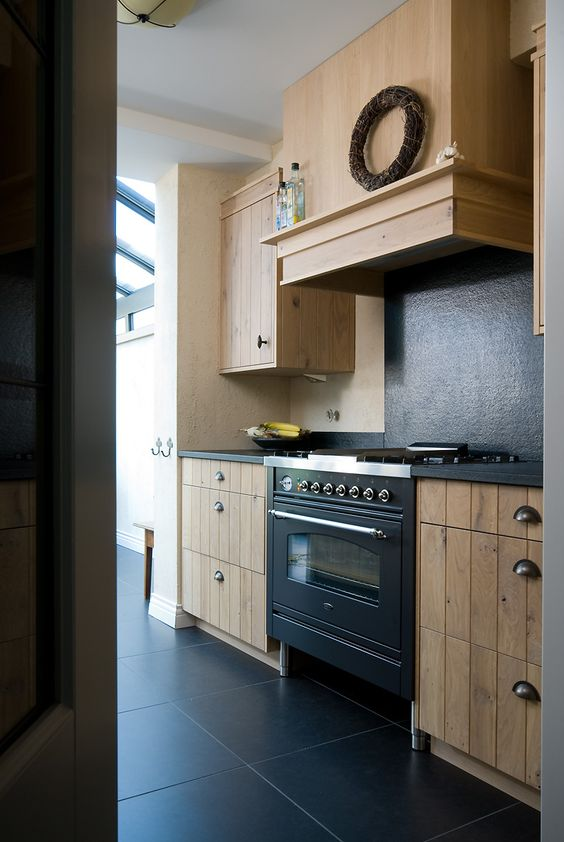 VRI interieur landelijke keuken modern eiken met houten laden ...