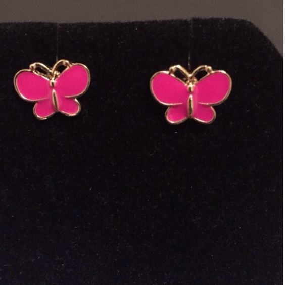 Hot Pink Butterfly Earrings 4/$10 or $6 a pair Beautiful hot pink butterfly earrings•with amazing detail. New with out tags. NEVER WORN. A stunning piece of jewelry to add to your collection.   Depending on the light, colors may look lighter or darker in photos.   NO TRADES NO PAYPAL ✅BUNDLES WITH A DISCOUNT ✅HOLDS ✅PRICE NEGOTIATIONS  ✅ORDERS OVER $20 WILL RECEIVE A FREE GIFT Jewelry Earrings