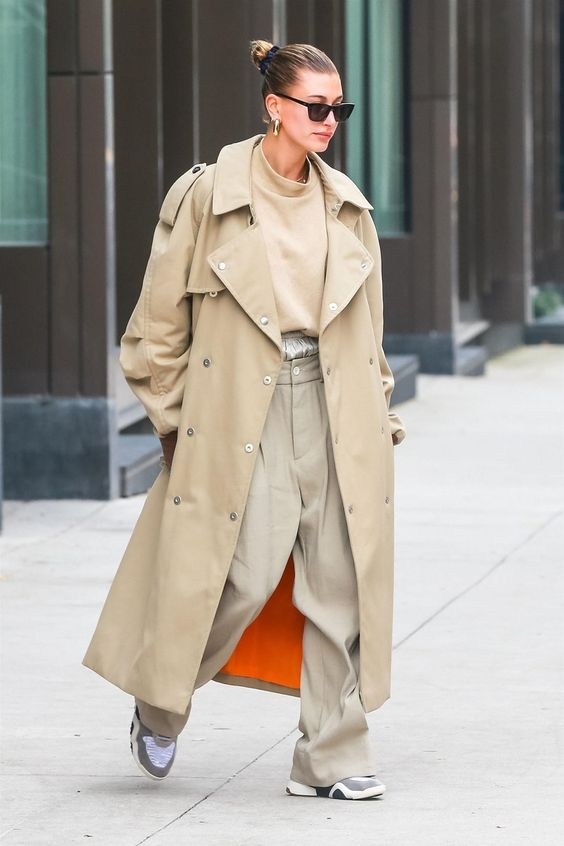 The newlywed, Hailey Bieber, made waves on the streets of New York in next season's omnipresent shade.