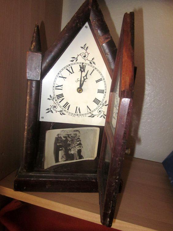 Old Norwegian clock***