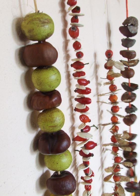 füzérek termésekből bogyókból