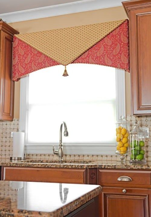 Though Only With A Curtain The Nuances Of The Kitchen Can Show Up Different And Also Charming Fol Custom Window Treatments Home Decor Kitchen Window Curtains