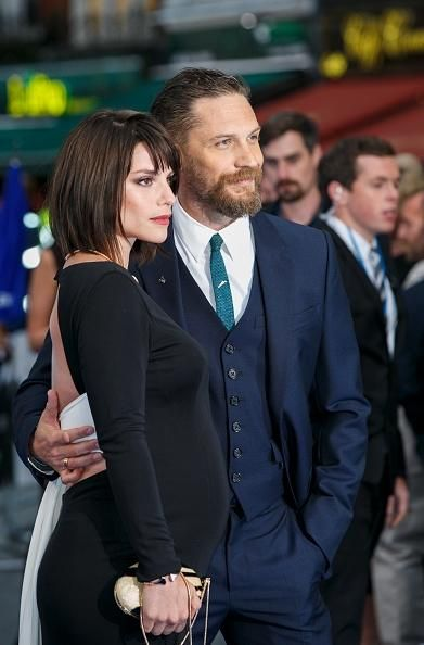 Tom Hardy And Charlotte Riley Show Off Her Baby Bump At London Premiere Of 'Legend' - http://asianpin.com/tom-hardy-and-charlotte-riley-show-off-her-baby-bump-at-london-premiere-of-legend/