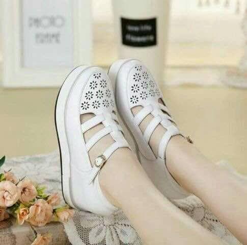 Boot Wedges Krem Sepatu Wanita Sepatu Sepatu Boots