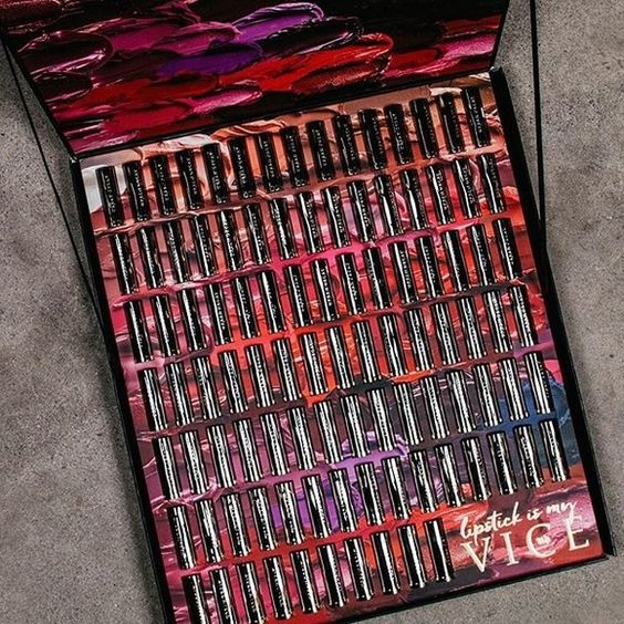 Urban decay vice lipstick set I Won the Urban decay VICE lipstick :D But I've recieved 2 so I have one and I'm giving one Away Please don't low ball me! You will recieve everything you see in this pic Makeup Lipstick