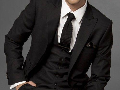 Black / Handkerchief / Tie