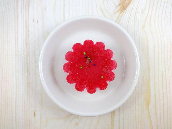 Strawberry Rhubarb Soy Wax Tart Soy Tart Wax by brumaliacandles, $1.50