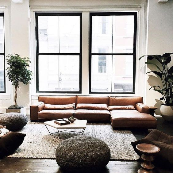 Leather  Black Window Frame = Success   Cuero  Marco Negro de Ventana = Éxito #diseñodeinteriores #interiordesign #inspiracion #movler