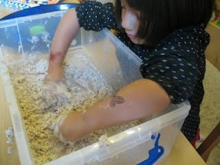 Sensory play with Oatmeal Mixture