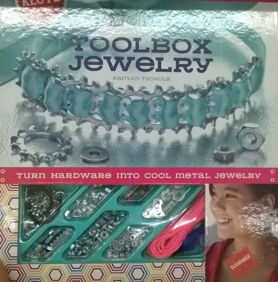 toolbox jewelry from Joanns.jpg (889×904)
