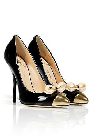 STYLEBOP.com | Black Patent Bow Embellished Pumps by GIUSEPPE ZANOTTI | the latest trends from the capitals of the world