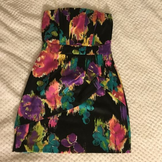 ⭐️SALE⭐️ Speechless Strapless Cocktail Dress Black with multicolor cocktail dress from Speechless. Only tried on, never worn out. Never had that cocktail party of my dreams you pictured in your early 20's so it is just taking up space in my closet now. Speechless Dresses Strapless
