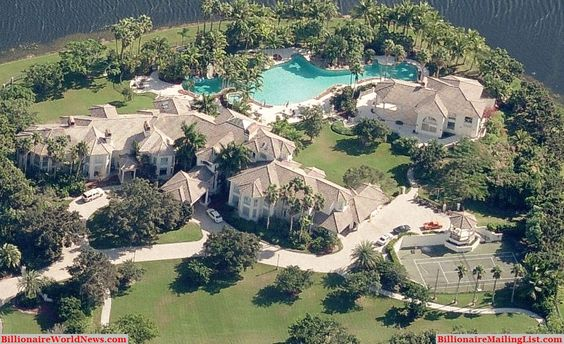 Billionaire miami mansions from above an aerial view a for Mega mansions in florida