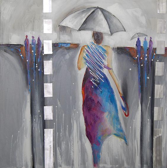 Schilderij: Regenachtige Dag, dit figuratieve schilderij is een uitbeelding van een elegante vrouw in de regen. Door het gebruik van zilveren springen de gekleurde kleding stukken eruit.