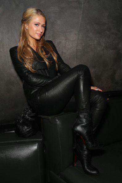 Paris Hilton - Magna Carter Tour Afterparty at Lure Nightclub Ein überwältigend schönes Foto.