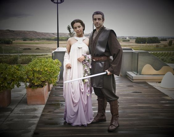 Beautiful Star Wars Wedding Dress and Suit My wedding, if I ever ...