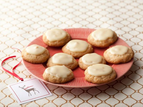 Easy christmas and holiday cookie recipes food network recetas sandra lees macadamia coconut cookie sandra wishes every holiday cookie was as easy to forumfinder Choice Image