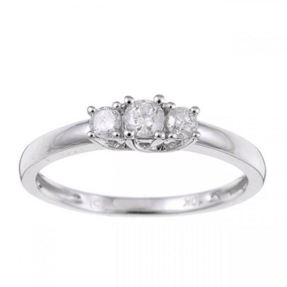 This Splendid Three Stone Wedding Ring Though Comes With Such With Images Three Stone Engagement Rings Round Three Stone Engagement Rings Round Diamond Engagement Rings