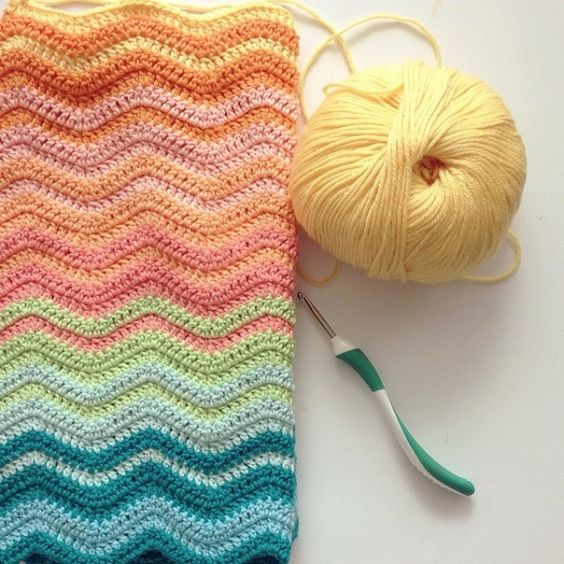Pretty colours - ripple blanket:
