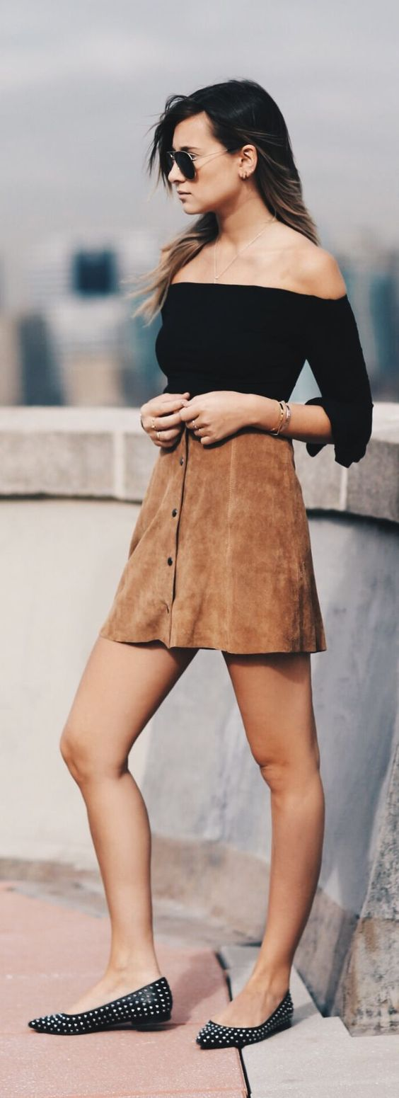 Off-shoulders, Front bottons suede skirt and Ray-Ban aviator sunglasses http://www.smartbuyglasses.co.uk/designer-sunglasses/Ray-Ban/Ray-Ban-RB3025-Aviator-Gradient-001/51-52178.html