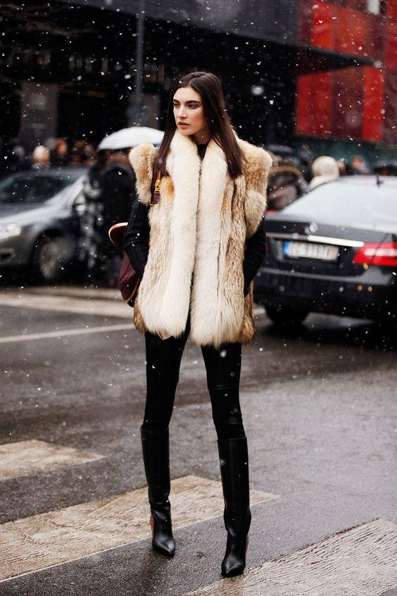 Fotos de street style en Milan Fashion Week: Jacquelyn Jablonski:
