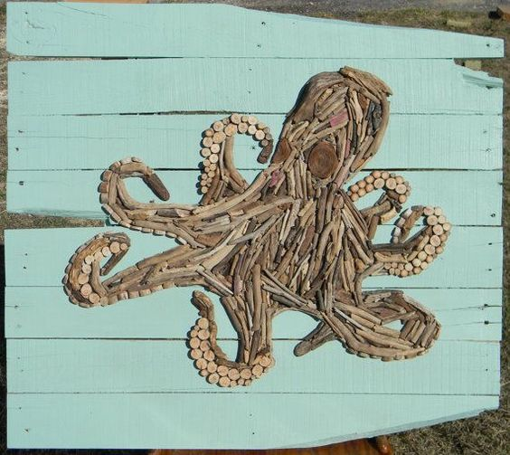 Driftwood octopus on painted pallet