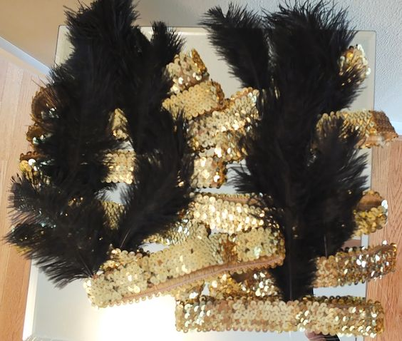 Roaring 20s Party - Flapper Headbands- Definitely making these!