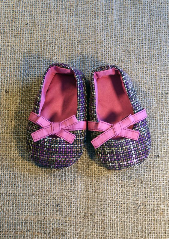 Keeley Shoes - PDF Pattern - Newborn to 18 mos by littleshoespattern: Adorable!