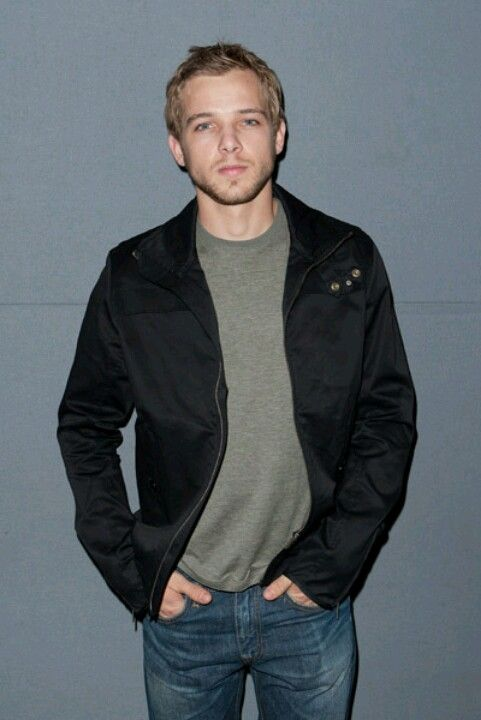 Max Thieriot, he's truly gorgeous..: