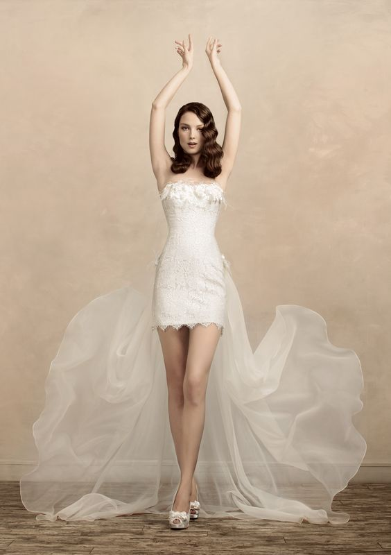 Exteremely Sexy Short Wedding Dress for the girl who can show her ...