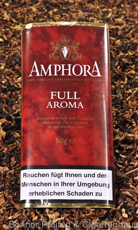 Amphora Full Aroma Pfeifentabak. Eine Mischung von Virginia, Burley und leichtem Orienttabak, als Cavendish gepresst und rauchfertig zerteilt. Mild, frisch und fruchtig mit vollem Geschmack, dabei relativ leicht.