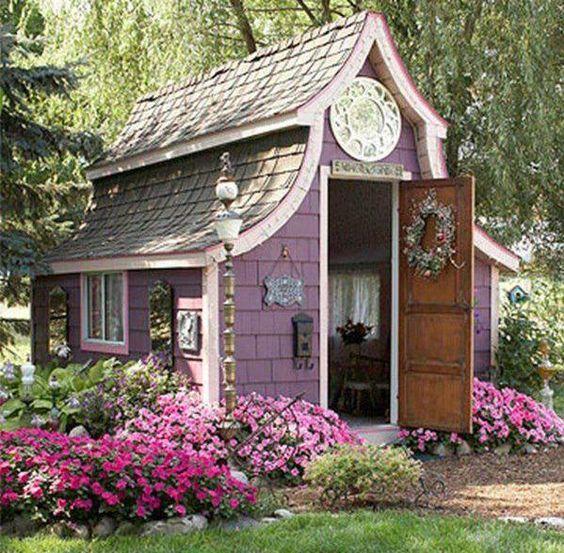 ogrodowy domek...