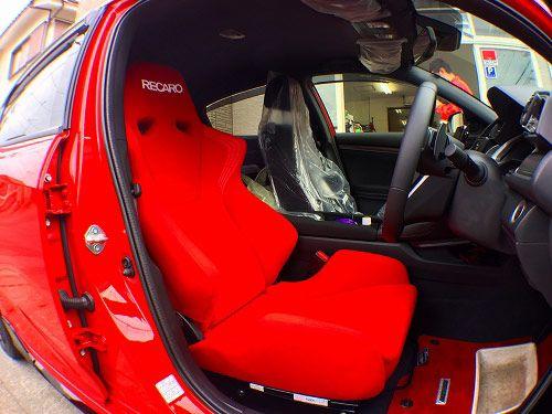ホンダfkシビックにレカロシートの装着 運転腰痛は座席と姿勢の複数
