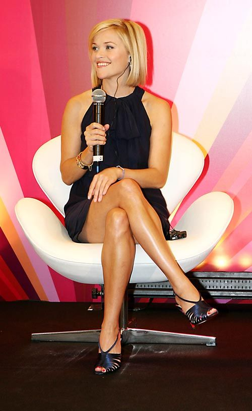 reese-witherspoon-is-leggy.jpg (500×815)