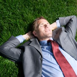 How to Handle Getting Caught Daydreaming During a Meeting | CareerBliss.com
