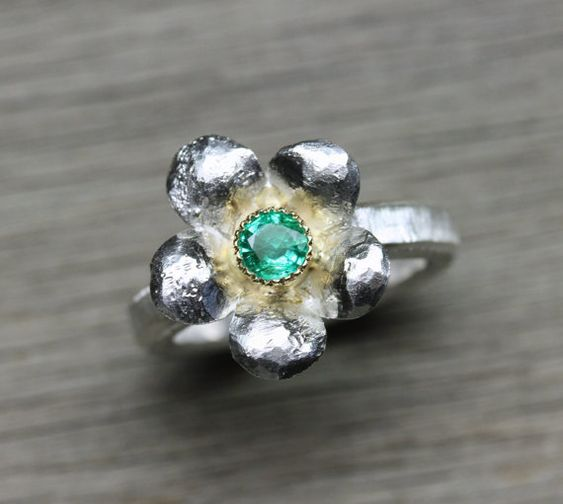 Hey, I found this really awesome Etsy listing at https://www.etsy.com/dk-en/listing/231840044/emerald-flower-engagement-ring-silver