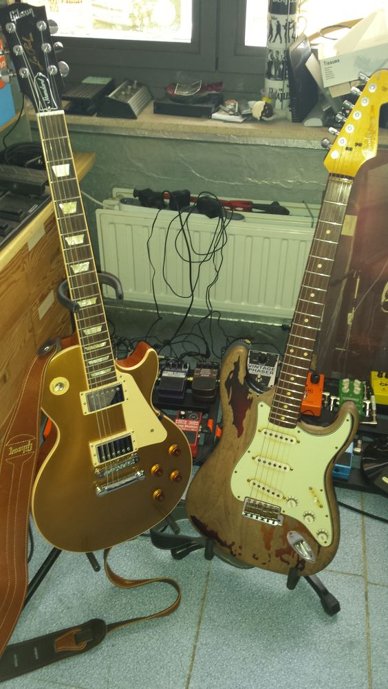 My Gibson Les Paul Standaard Gold Top 2013 & My Rory Gallagher Fender Stratocaster Signature Relic 61'
