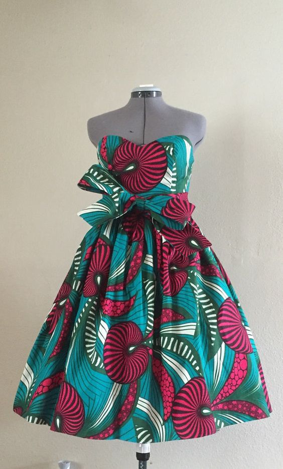 50+ best African print dresses | Looking for the best & latest African print dresses? From ankara Dutch wax, Kente, to Kitenge and Dashiki. All your favorite styles in one place (+find out where to get them). Click to see all!: