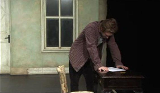 https://vimeo.com/78901163   El ACTOR PABLO RIVERO encarna a Konstantin Tréplev ,uno de los 4 personajes principales de la versión libre,de La Gaviota de Chéjov de Daniel Veronese, que remite al héroe que transita entre un mar de dudas, que sólo sirven para postergar su acción, para establecer un canon en Arte.