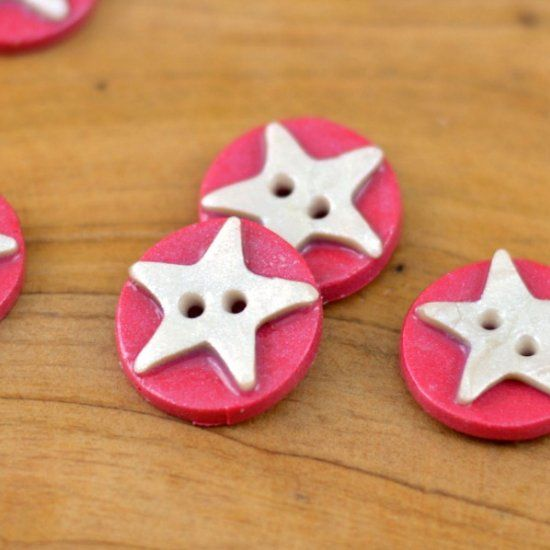 These easy polymer clay buttons make a great embellishment for your patriotic sewing and craft projects.