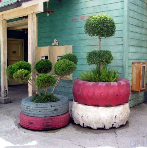 """Painted tyre planters ("""",)"""