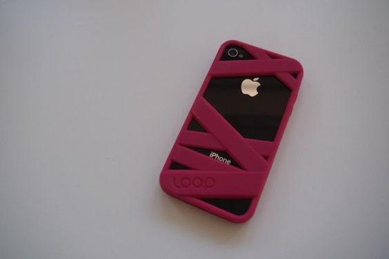 Hands-on with Loop Attachment Mummy iPhone 4 case: Wrap your phone with silicone