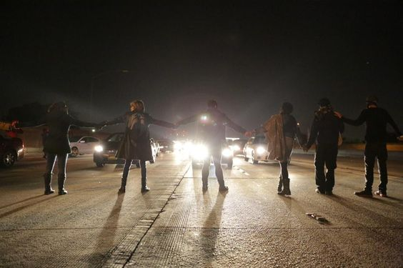 #LosAngeles: Protesters block the southbound 110 freeway demanding justice for #EzellFord. via @yamphoto