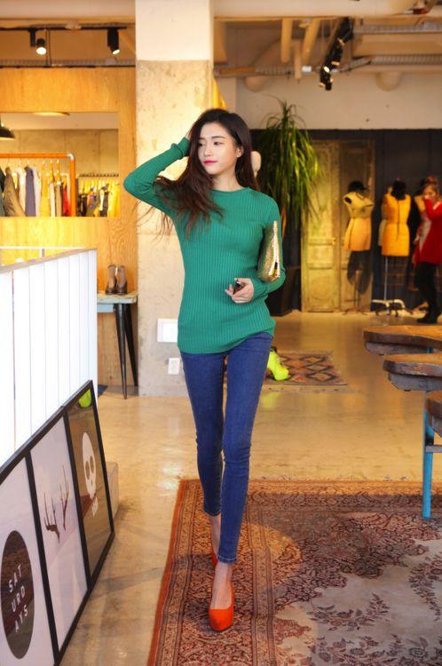 color contrast fashion