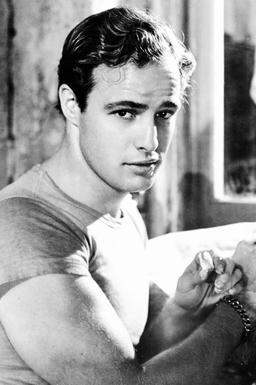 Marlon Brando, such a classically gorgeous Hollywood actor. Doesn't get much better than this...