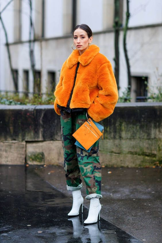 We give you the four keys to influencers to wear women's camouflage pants