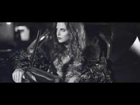 Backstage video chevauchée nocturne - Fashion World Magazine