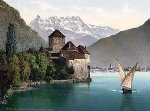 Château de Chillon [Chillon Castle, located on the shore of Lake Geneva, Switzerland, 3 km from Montreux, Switzerland. The castle consists of 100 independent buildings that were gradually connected to become the building as it stands now.]