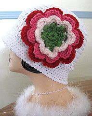 Love this hat.  I just need to find the pattern