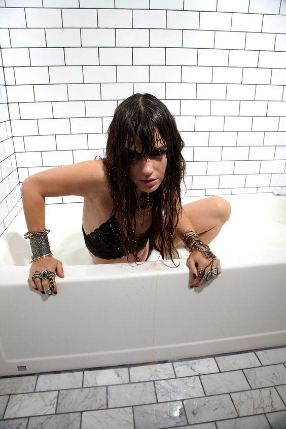 Bad girl bath